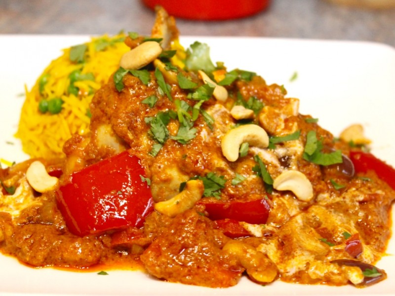 Slow-Cooked Garlic Chicken Curry with Ginger, Red Pepper and Squash