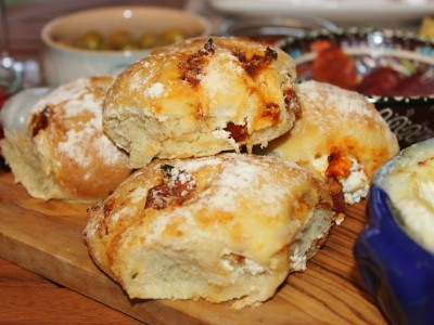 Sundried Tomato and Goats Cheese Bread Rolls