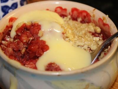 Strawberry, Vanilla and Coconut Crumble