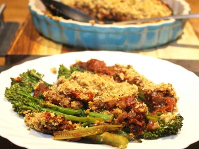 Tenderstem broccoli and rich tomato nutty crumble.